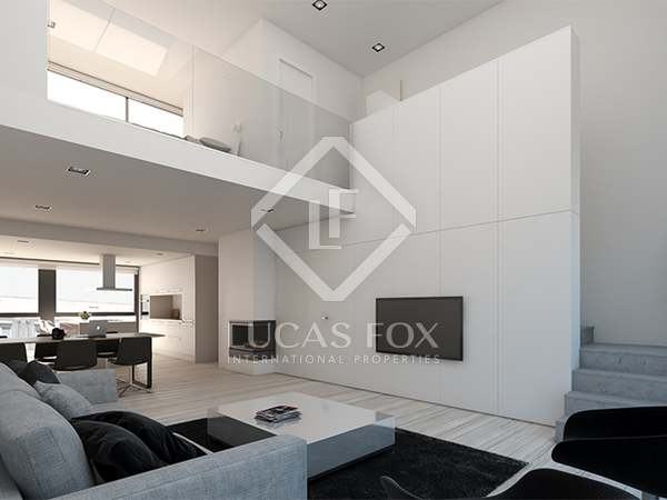 Contemporary duplex penthouse for sale in Tetuan, Madrid
