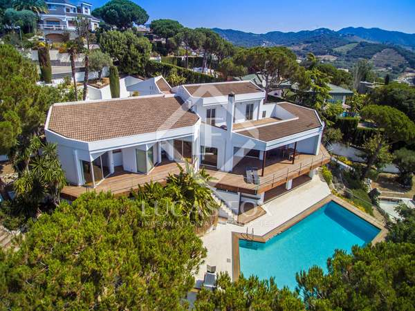 Huis / Villa van 535m² te koop in Alella, Maresme