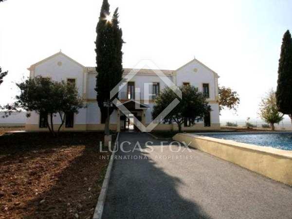 Espectacular hotel/hípica en venta cerca de Granada