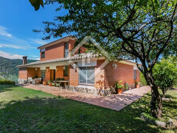 327m² House / Villa for sale in Cabrils, Maresme