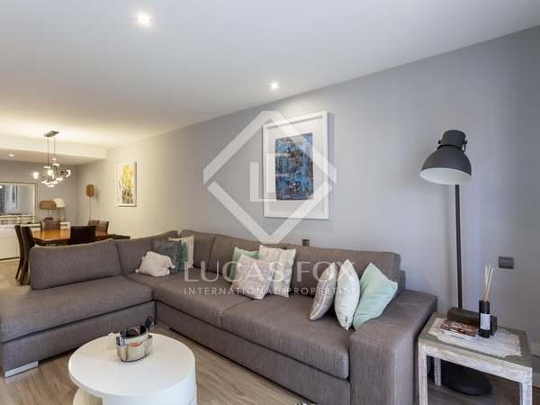 374m² House / Villa with 40m² terrace for sale in Playa de la Malvarrosa