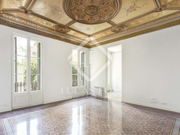 113 m² apartment with a terrace for sale in Gràcia