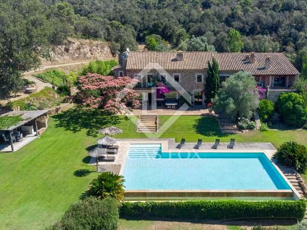 Huis / Villa van 1,976m² te koop in Baix Emporda, Girona