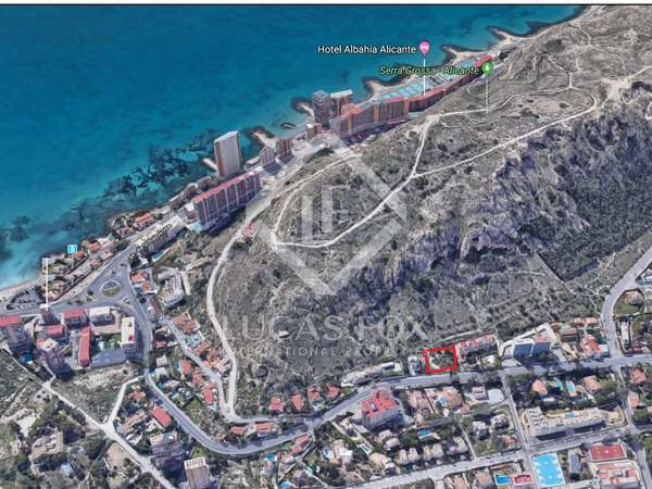 748m² Plot for sale in Playa San Juan, Alicante