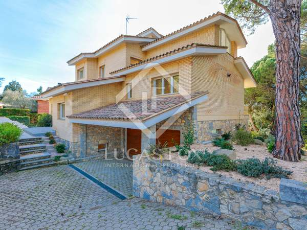 417m² House / Villa for sale in Girona City, Girona