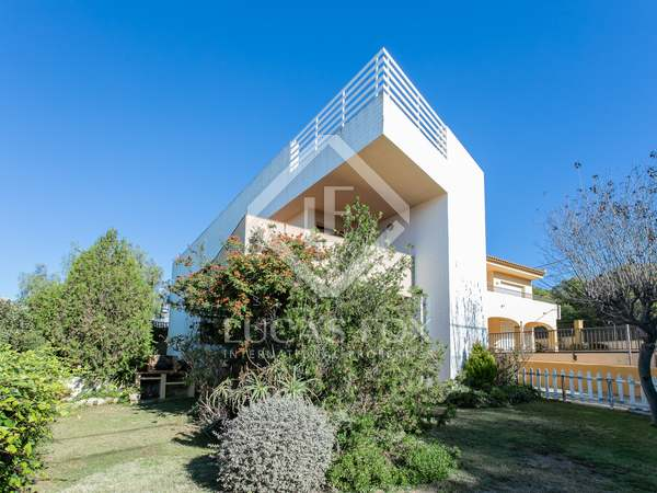 226m² House / Villa for sale in Els Cards, Barcelona