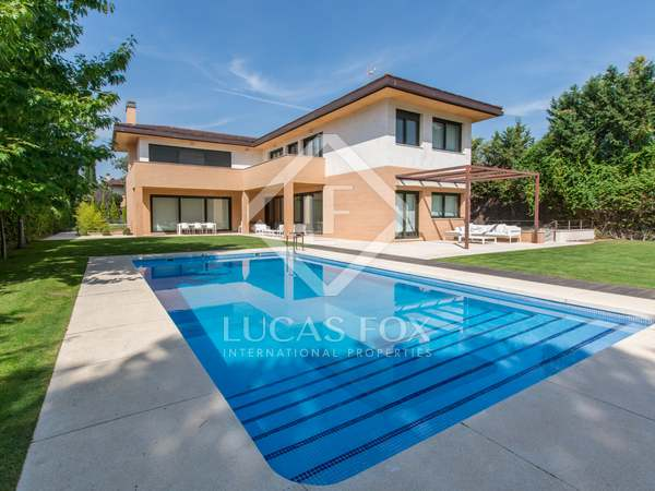 500m² House / Villa with 1,200m² garden for sale in Pozuelo