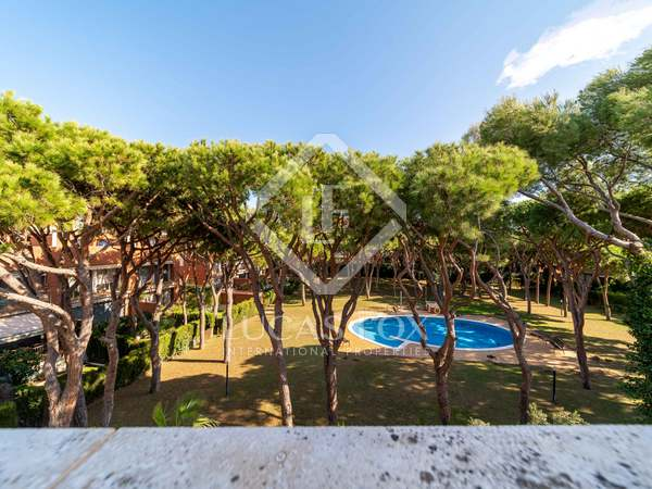 287m² House / Villa with 368m² garden for sale in Gavà Mar