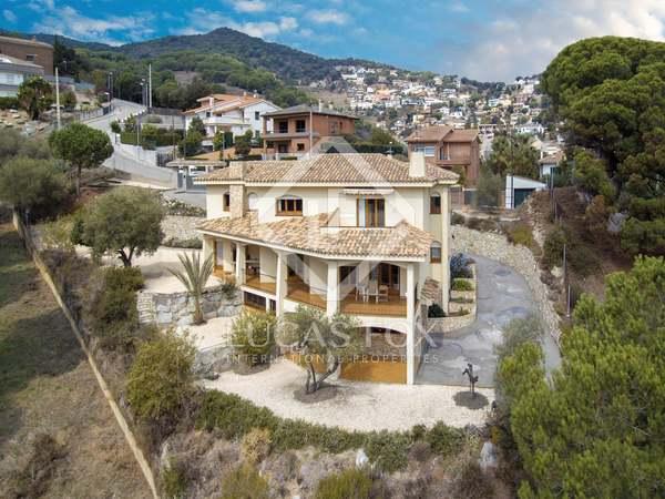 Villa mediterránea de 389 m² en venta en Alella, Maresme