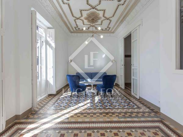 123m² Apartment with 10m² terrace for sale in El Mercat