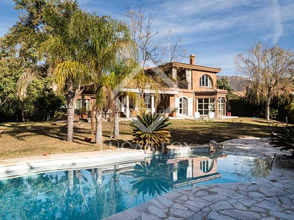 Mediterranean villa for rent in Los Monasterios