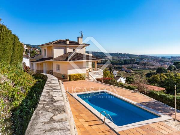 338m² House / Villa for rent in Alella, Maresme