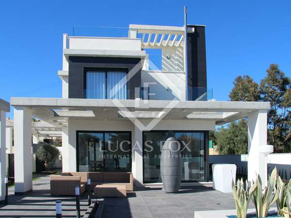 Casa / Villa de 240m² en venta en Playa San Juan, Alicante