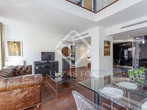 138m² Penthouse with 15m² terrace for sale in El Mercat
