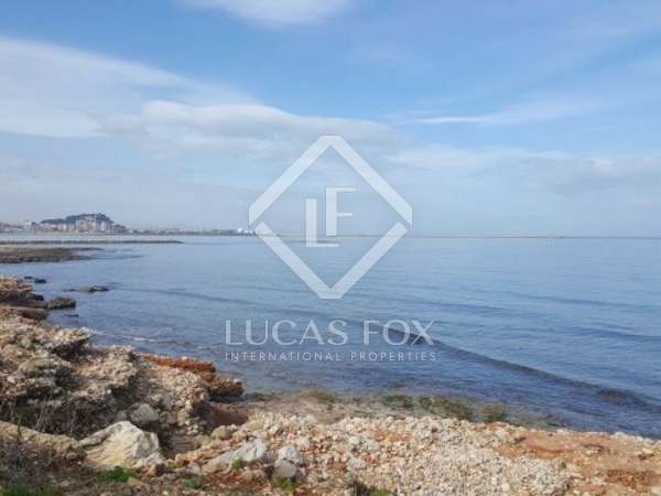 Building plot with sea views for sale in Las Rotas