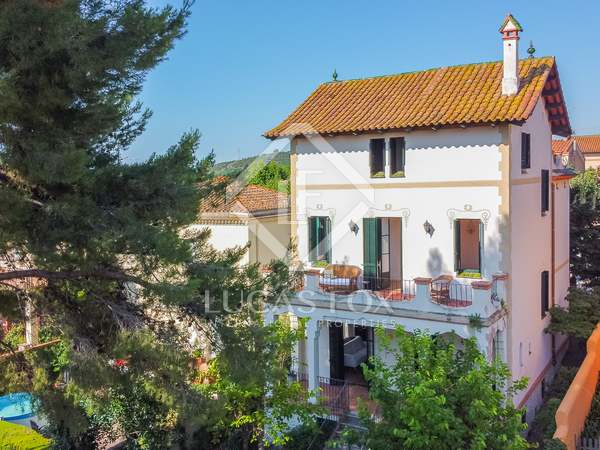 328m² House / Villa for sale in Tiana, Barcelona