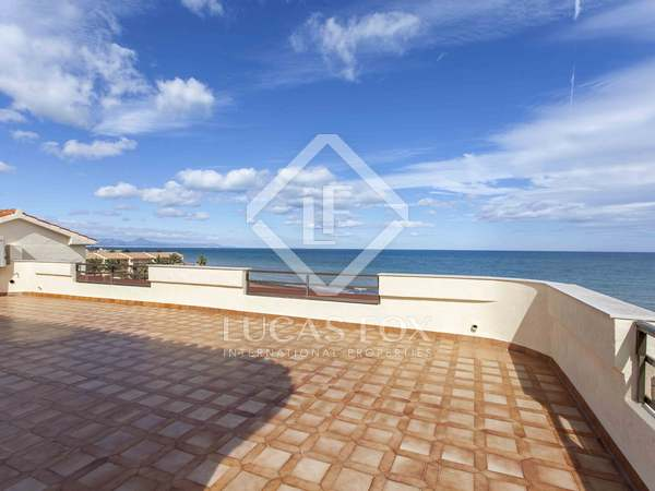 200 m² Penthouse with 100 m² terrace for sale in Denia