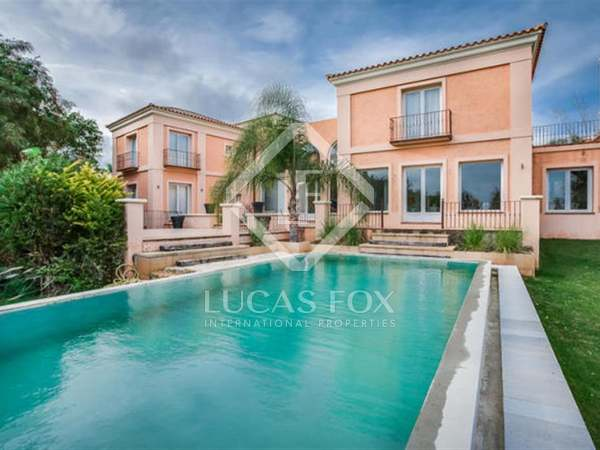 690m² House / Villa for sale in Sotogrande, Andalucía
