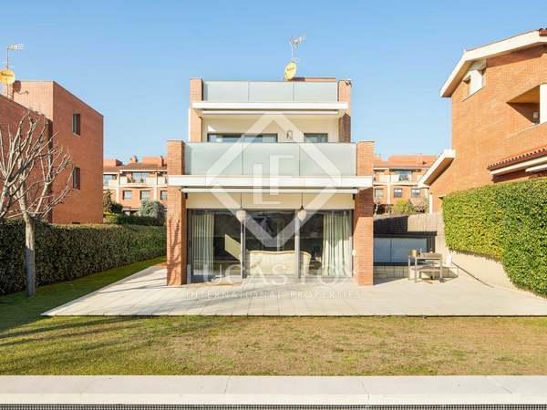 Casa de 441m² con 20m² de terraza en venta en Sant Cugat