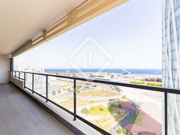 Квартира 151m², 44m² террасa на продажу в Диагональ Мар