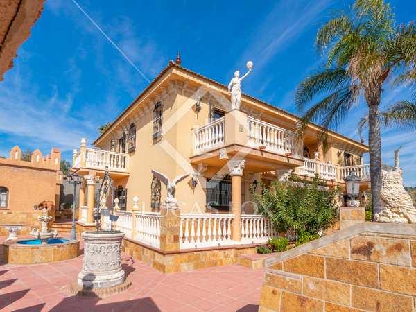 Huis / Villa van 800m² te koop in Malaga, Spanje