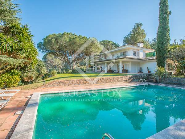 5-bedroom villa with garden for sale in Santa Cristina d'Aro
