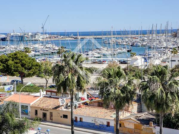 Duplex penthouse to buy in Dénia with views of nautical club