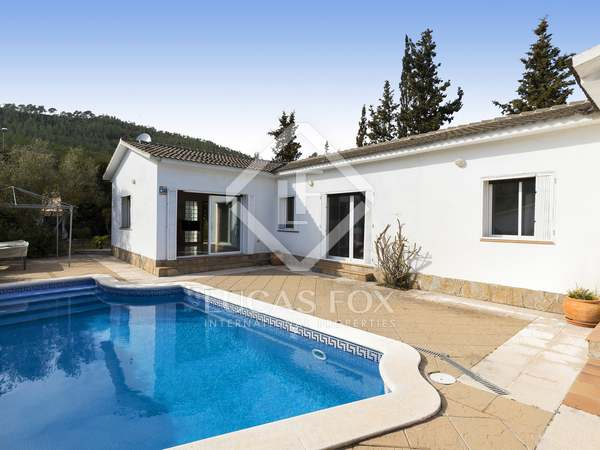 200 m² villa for sale in Olivella, Sitges