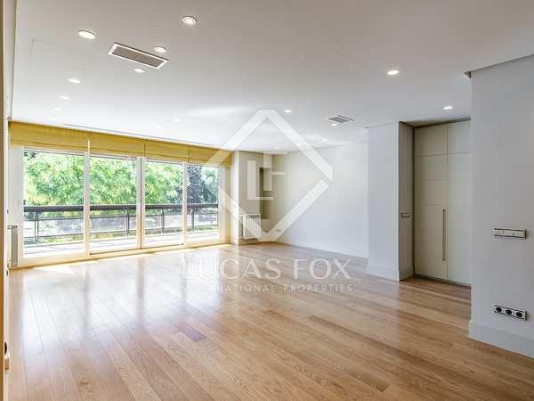 Appartement van 240m² te huur met 17m² terras in Moncloa / Argüelles
