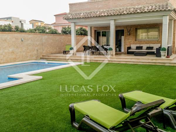 285m² House / Villa for sale in Castellón, Spain