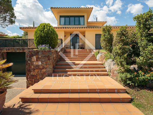 Villa de 312m² con jardín, en venta en el Alt Empordà