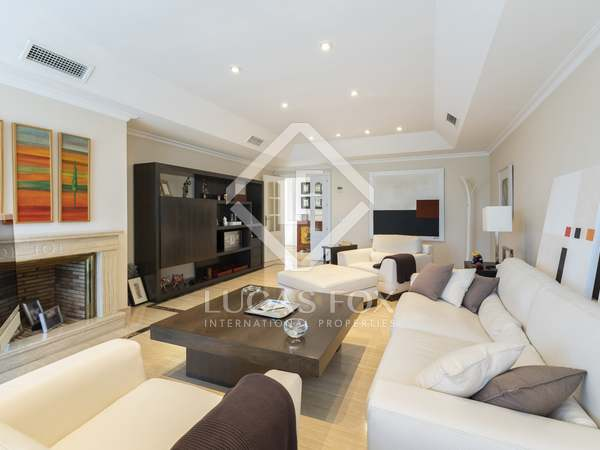148m² Penthouse with 122m² terrace for sale in Aravaca