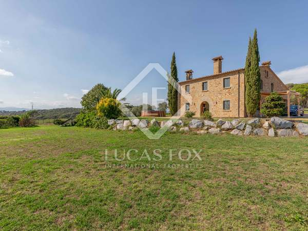 457m² Country house for sale in El Gironés, Girona