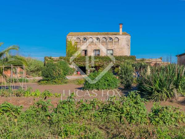 834m² House / Villa with 3,809m² garden for sale in Baix Empordà