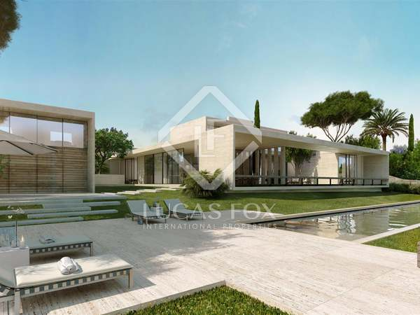 677 m² villa with a garden and pool for sale in Estepona