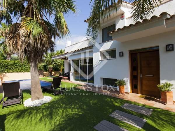 Villa de 4 dormitorios en venta en Los Viñedos
