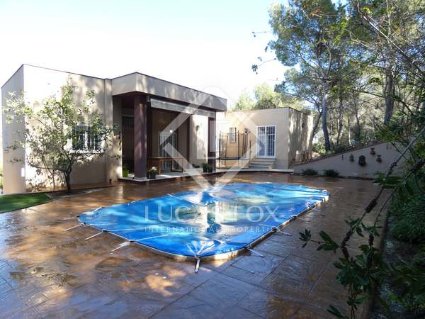 242m² House / Villa for sale in Playa Sagunto, Valencia