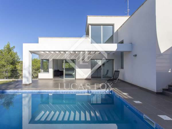 235m² House / Villa for sale in Sant Pere Ribes, Barcelona