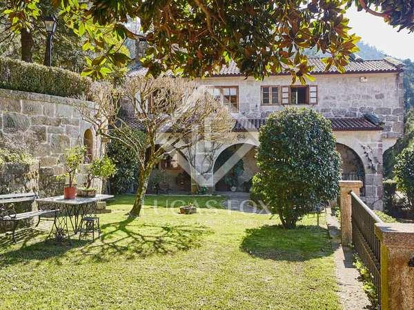 Casa / Villa de 800m² en venta en Pontevedra, Galicia