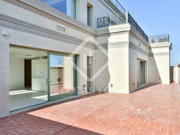 175m² Penthouse with 65m² terrace for sale in Eixample Right