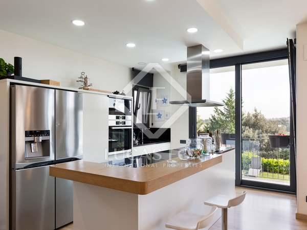 Casa de 302m² con 490m² de jardín en venta en Sant Cugat