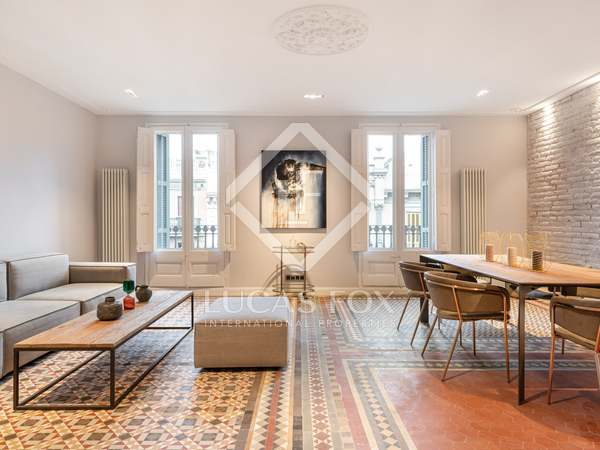 150m² Apartment with 15m² terrace for sale in Eixample Right