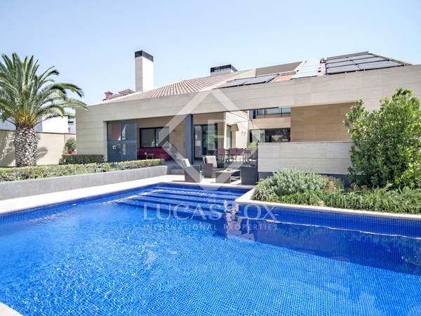 在 Playa San Juan, Alicante 869m² 出售 豪宅/别墅 包括 花园 300m²