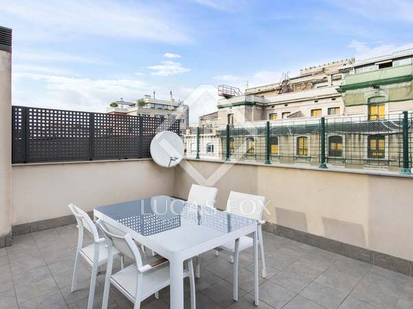 80m² Apartment with 20m² terrace for rent in Eixample Right