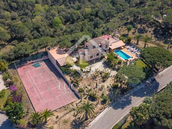 397m² House / Villa for sale in Calonge, Costa Brava