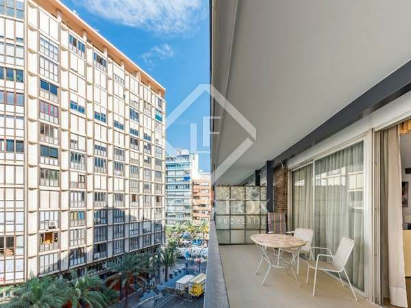 170m² Apartment with 20m² terrace for sale in Alicante ciudad
