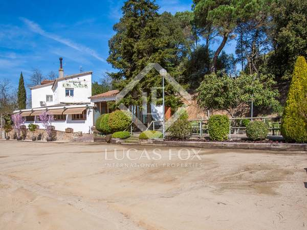 Farmhouse on 7,178 m² plot for sale near Vallromanes