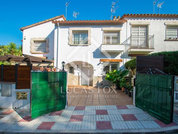 175m² House / Villa with 30m² terrace for sale in Platja d'Aro