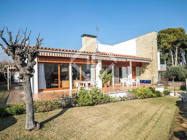 300m² House / Villa with 800m² garden for sale in Vilanova i la Geltrú