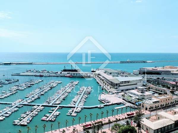141m² Apartment with 10m² terrace for sale in Alicante ciudad